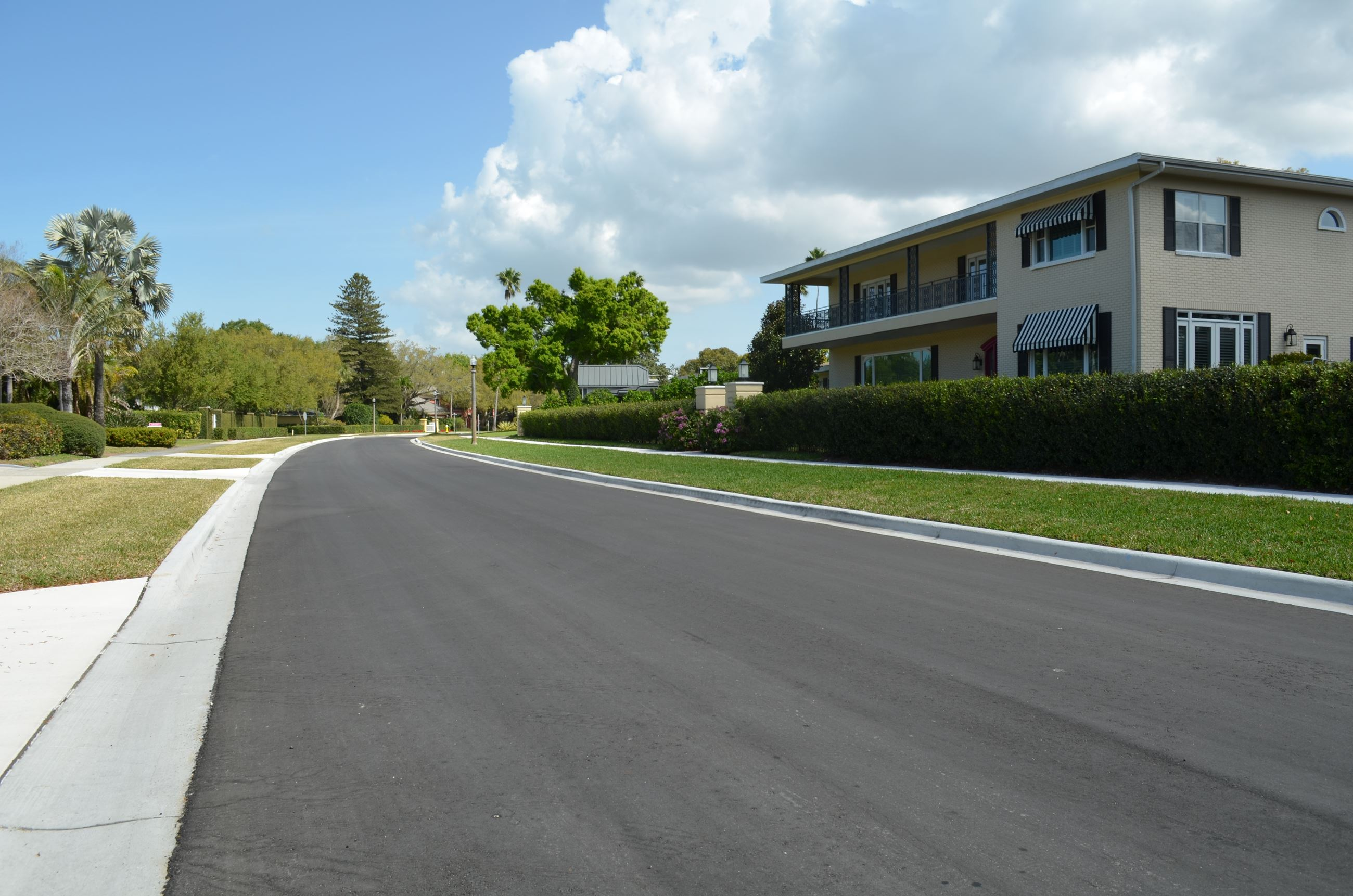 Palmetto Road near Orlando Roar and facing north - features a long and smooth resurfaced roadway